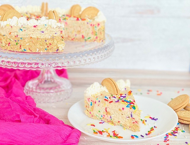 You are currently viewing Funfetti Birthday Cake Cookie Cheesecake
