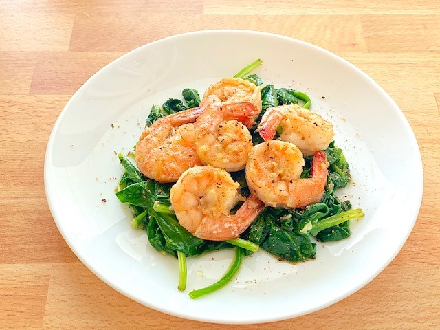 You are currently viewing Garlic Shrimp Over Spinach